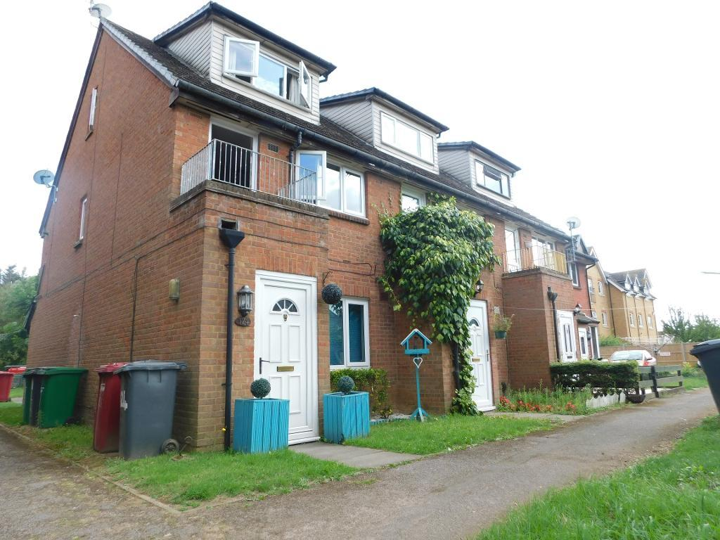 Mead Avenue, Langley, Slough, SL3 8JA