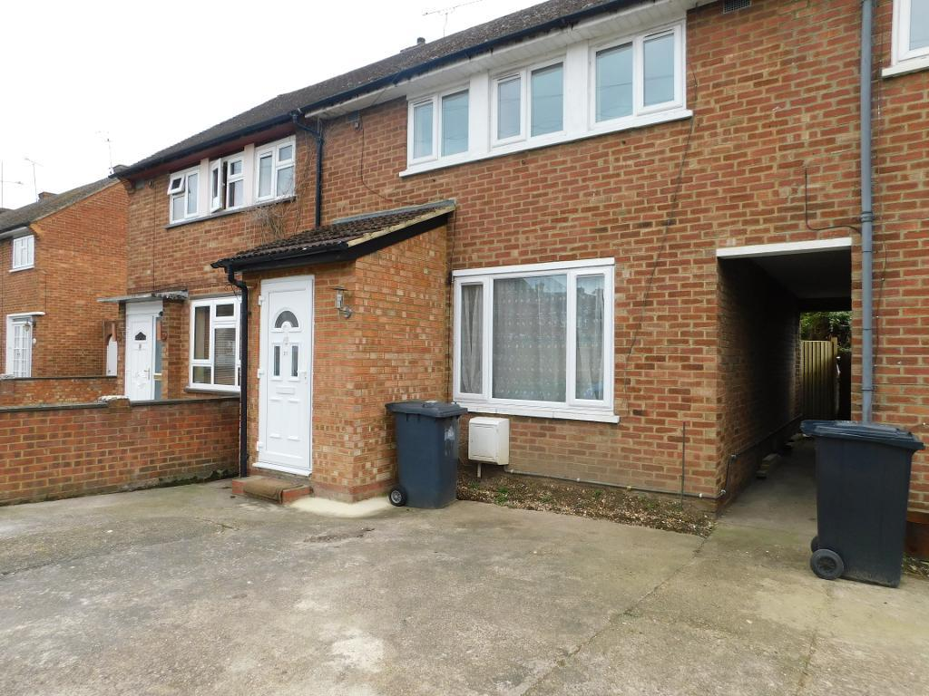Randall Close, Langley, SL3 8RJ