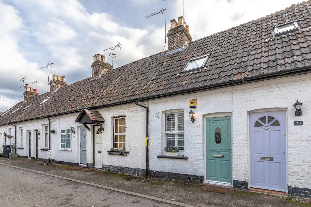 Oak Lane, Windsor, SL4 5EU