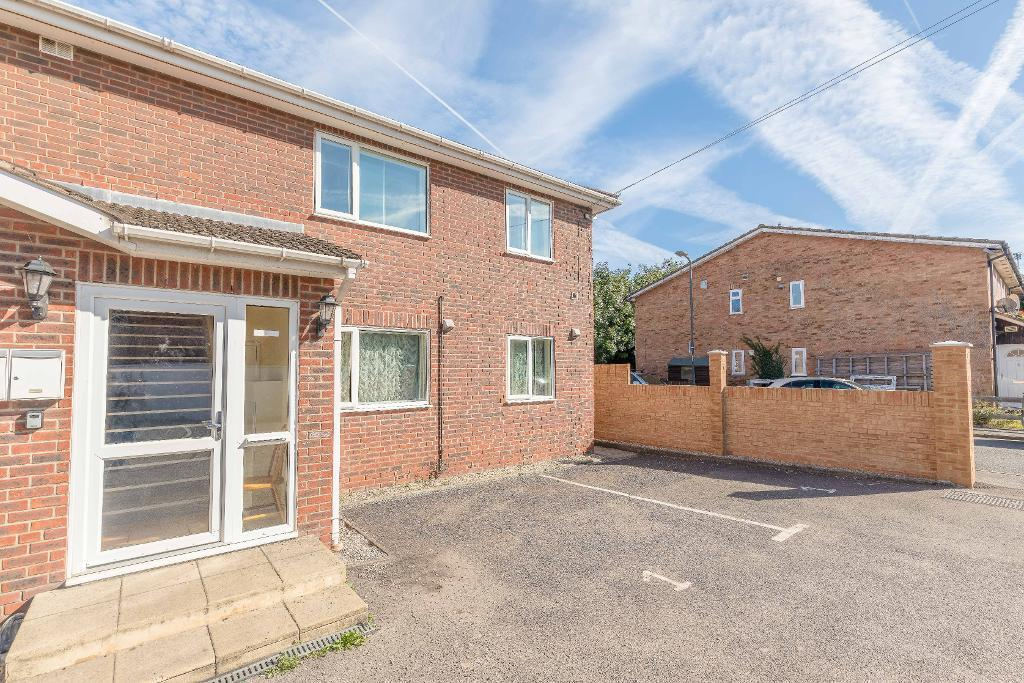 Meadowbrook Close, Colnbrook, SL3 0AQ