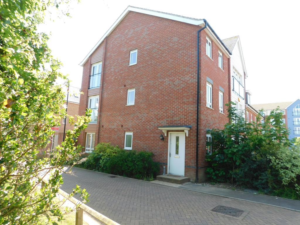 Edgeworth Close, Langley, SL3 7FS